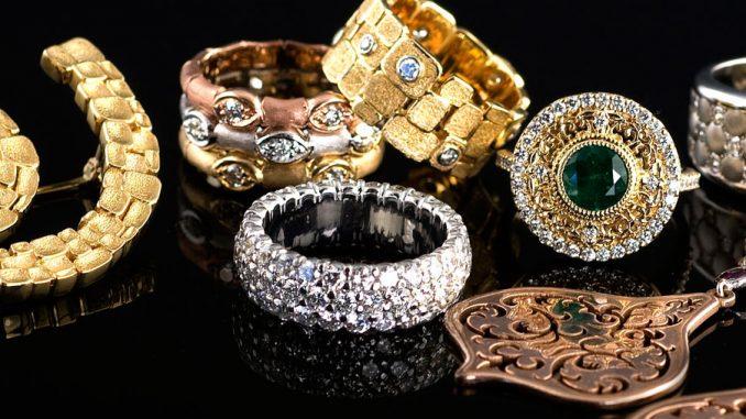 hediyelik mücevher seçimi, hediye mücevher nasıl seçilir, hediye olarak mücevher almak