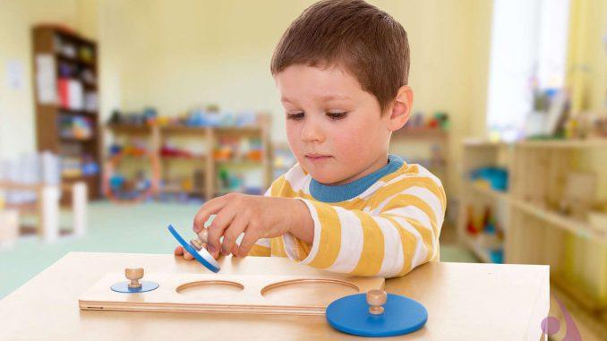 çocuk psikologları kimlerdir, bayan çocuk psikologlarının farkı, pedagogların görevleri